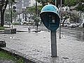 Chuva em orelhão na Av. José Cesar de Oliveira, Eldorado, Contagem, 2010.jpg