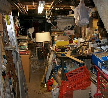 English: A handyman project was to de-clutter ...