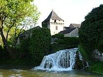 Condat-sur-Vézère donjon cascade (2).JPG