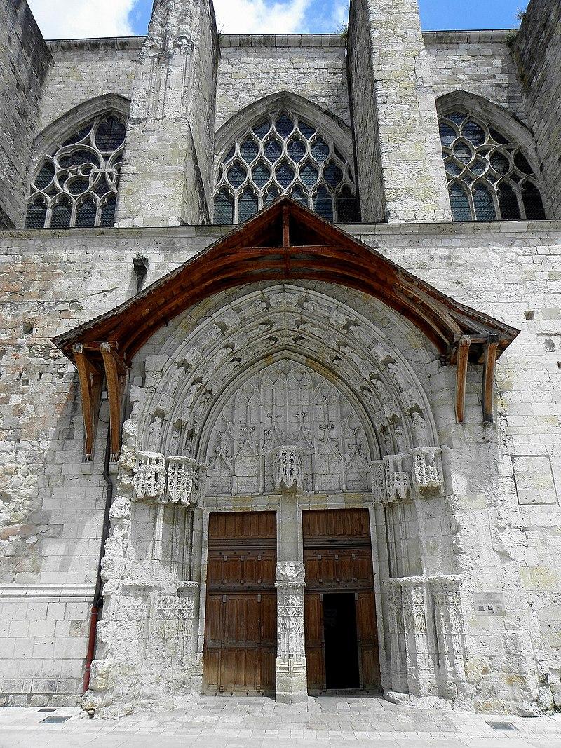 Condom (32) Cathédrale Saint-Pierre Extérieur 02.JPG