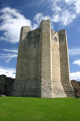 Conisbrough Castle - The keep, re-roofed and floored between 1993 and 1995