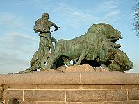 Copenhagen statue of Gefion.jpg