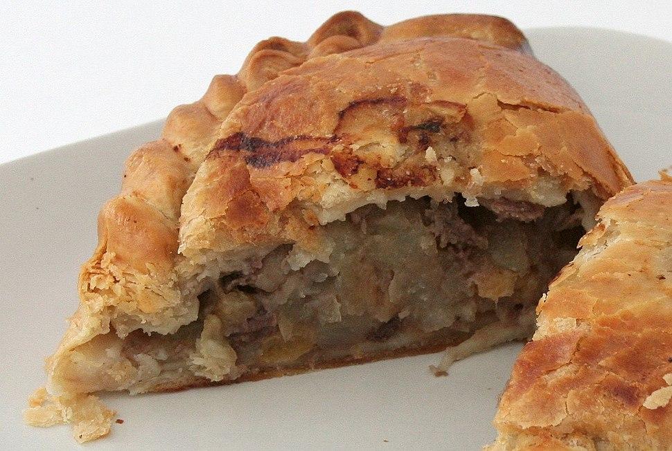 Cornish pasty - cut.jpeg