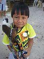 Criança indígena com seu animal de estimação - povo Sateré-Mawé.jpg