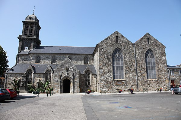 Crozon Église Saint-Pierre.JPG