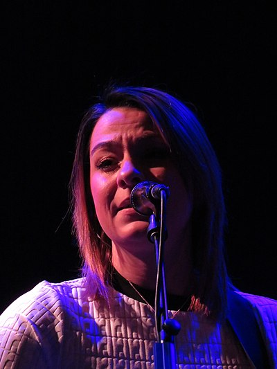Picture of a band or musician: Lucy Spraggan