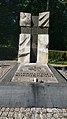 Częstochowa, pomnik w parku.jpg