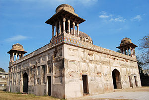 Tomb of Dai Anga - The façade of the structure still has some kashi kari tile work.
