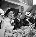 Deelnemers aan het diner, Bestanddeelnr 254-5396.jpg