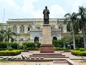 Swami Shraddhanand - Statue of Swami Shraddhanand in front of Delhi Town Hall