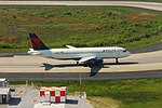 Delta N321US Airbus A320 (17554810273).jpg