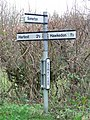 Direction sign - geograph.org.uk - 1088649.jpg