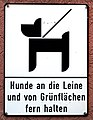 Dog Sign, Skarethof, Vienna.jpg