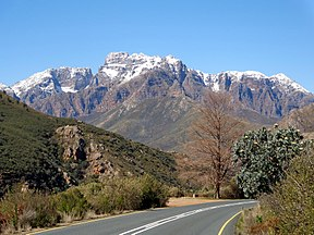Du Toitskloof Mountains.jpg