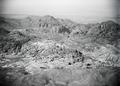 ETH-BIB-Felsengebirge von Petra, aus 2000 m Höhe-Abessinienflug 1934-LBS MH02-22-0046.tif