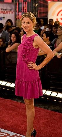 ETalk2008-Julie Bowen.jpg