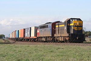 El Zorro (railway) - Seymour Railway Heritage Centre's T357 and El Zorro's S302 hauling a Melbourne to Warrnambool container service near Warncoort in June 2008