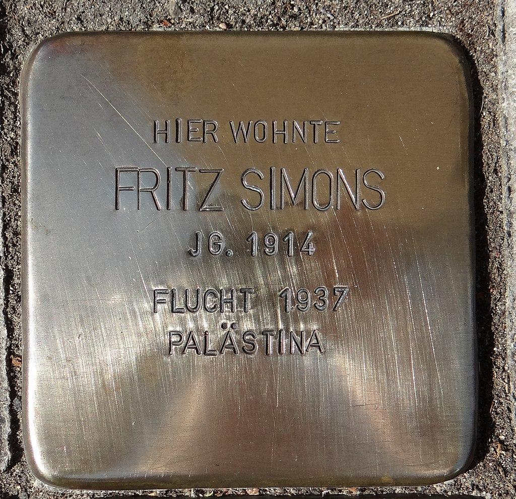 Eltville am Rhein Stolperstein Taunusstraße 14 Fritz Simons.jpg