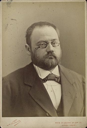 English: Emile Zola, French writer, at the beg...