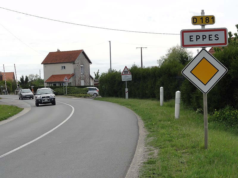 Eppes (Aisne) city limit sign