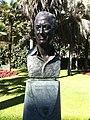 Escultura del baró Thyssen al Museo Thyssen.JPG