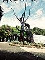 Escultura gigante no Piaui (Praça da Central de Artesanato Mestre Dezinho).jpg