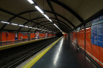 Buenos Aires (Madrid Metro) - Image: Estación de Buenos Aires (Metro de Madrid), andenes