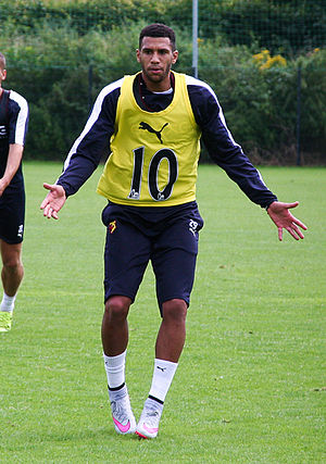 Étienne Capoue - Capoue in training with Watford in 2015