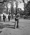 Férfi portré 1942-ben a háttérben Nemzetközi Vásárral. Fortepan 54155.jpg