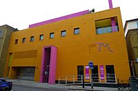 Fashion and Textile Museum, Bermondsey, SE1 (3612012652).jpg