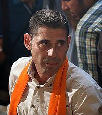 Fernando Hierro in Tehran's IKA Airport.jpg