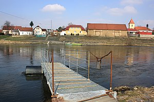 Ferry in Lužec nad Vltavou 3.jpg