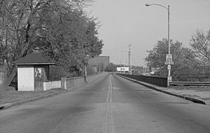 Fifth Street Viaduct - The 1933 Fifth Street Viaduct viewed from the south.  The toll house is to the left.