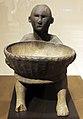 Filippine, nord dell'isola di luzon, ifugao, figura con una ciotola seduta (bulul), XV sec. 02.JPG