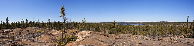 Canadian Shield Green slash at English Wikipedia [CC BY-SA 3.0 (https://creativecommons.org/licenses/by-sa/3.0)], via Wikimedia Commons