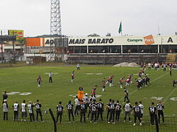 2138b41f1a Partida de futebol americano disputada no Brasil entre Caxias Panzers e  Jaraguá Breakers válida pelo Campeonato catarinense.