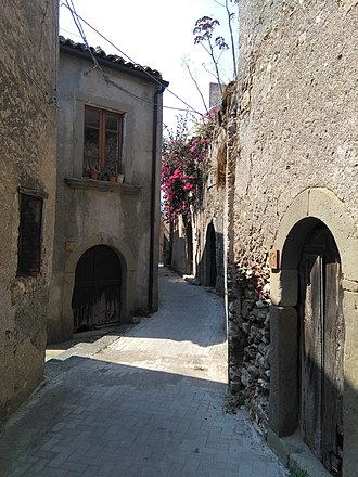Forza d'Agrò - Typical winding medieval lane with traditional houses