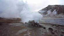 Datei:Fumarole at Hverir, Iceland.webm