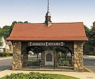 Jamaica Estates, Queens - Jamaica Estates World War II Memorial