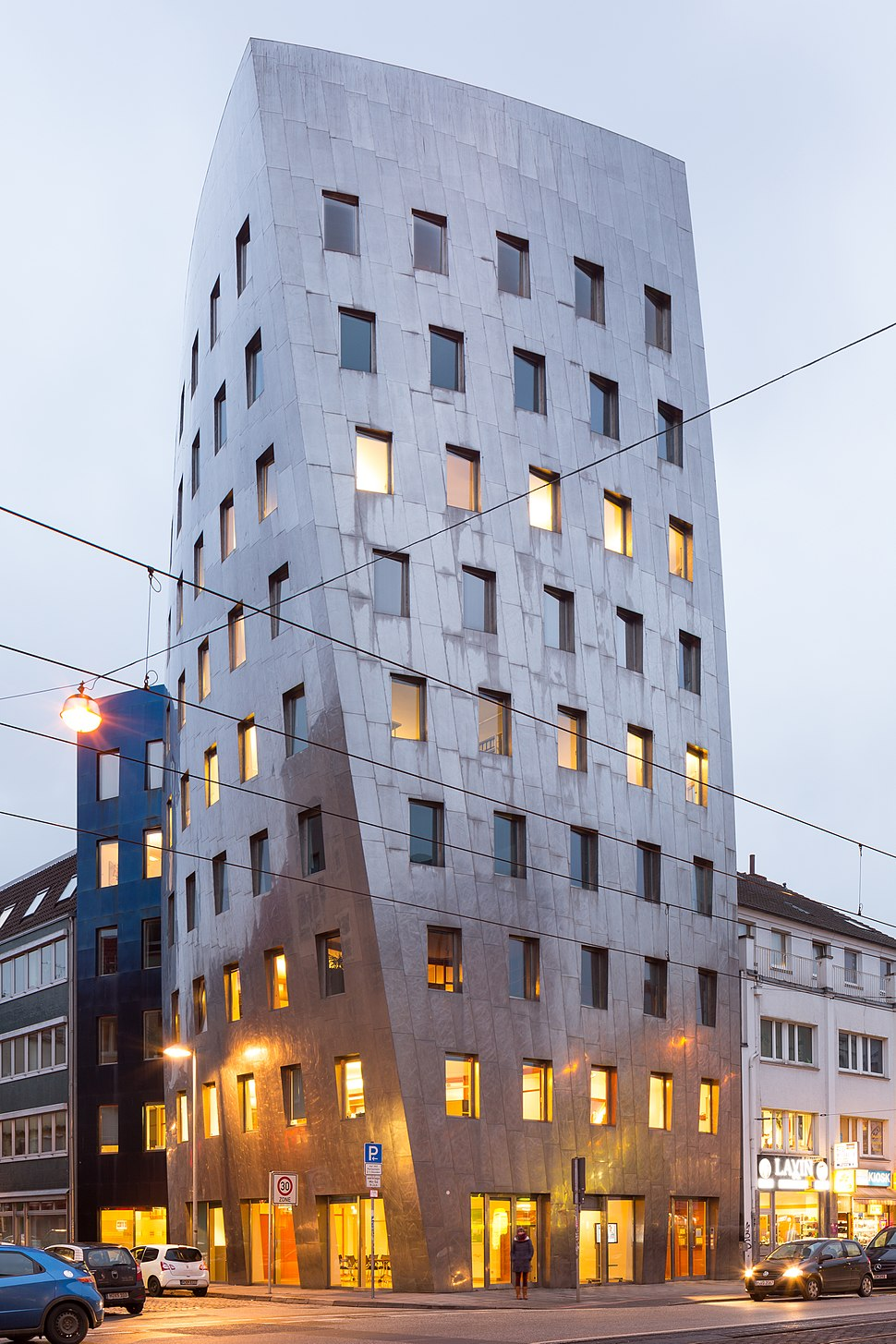 Gehry-Tower office building Goethestrasse Reuterstrasse Mitte Hannover Germany