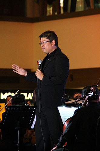 Gerard Salonga - Gerard Salonga giving a talk at a concert with the ABS-CBN Philharmonic Orchestra