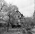 Gezicht op het in de 17e eeuw als raadhuis gebouwde huis met de drie gevels, Bestanddeelnr 254-4461.jpg