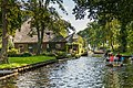 Giethoorn Netherlands Channels-and-houses-of-Giethoorn-06.jpg