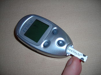 Testing the blood glucose level yourself Neder...