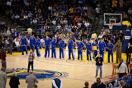 Golden State Warriors line up pregame vs Pistons 2