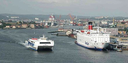 Gothenburg harbour seen from the Alvsborg bridge, seen to the left is the ship HSS Stena Carisma and to the right MS Stena Scandinavica (1983). Gothenburg, Sweden, from the Alsborgs Bridge.jpg