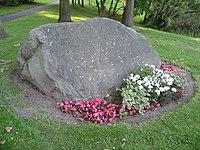 Grab Hinrich Wilhelm Kopfs auf dem Stöckener Friedhof - panoramio.jpg