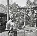 Grablje z dvojno kambo. Dela jih Anton Bele, Stranj 3 (Gorenje Vrhpolje) 1952.jpg