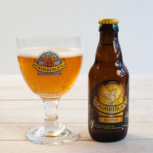 Fichier:Grimbergen blonde - verre et bouteille.jpg