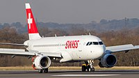 HB-JLT Swiss Airlines A320 (9438003300).jpg